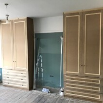 Shaker With Drawers